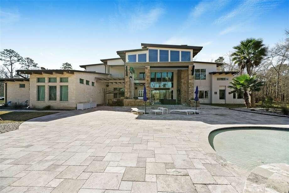 The Huffman mansion at 27020 Huffman just hit the market at $5 million. Photo: Houston Association Of Realtors