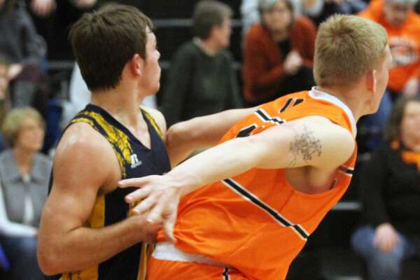 The Ubly boys basketball team topped visiting Bad Axe, 46-35, on Monday night.