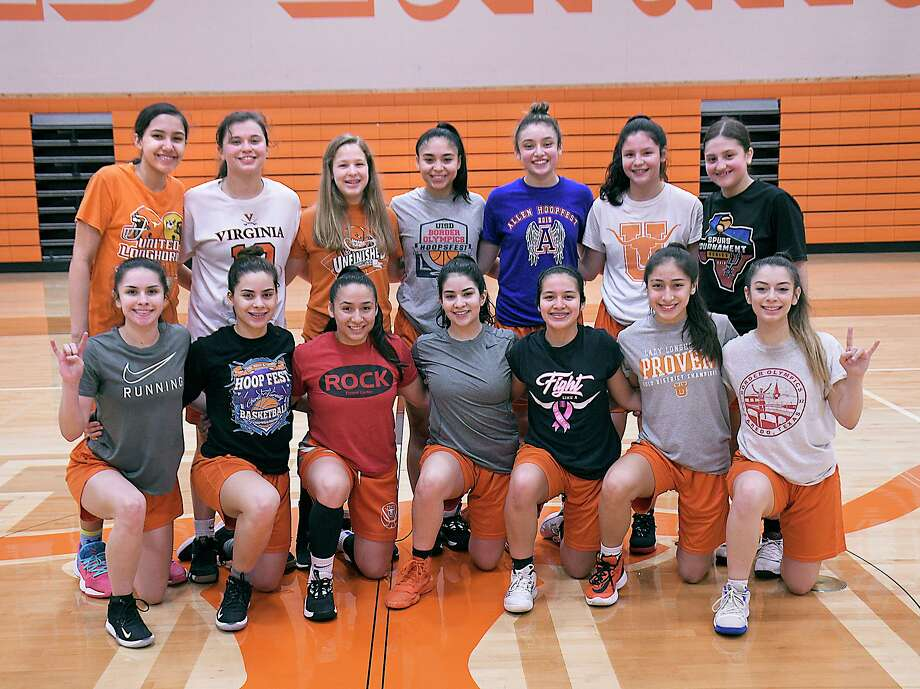 United faces Weslaco in the third round Tuesday at 7 p.m. at San Antonio Southwest Legacy High School. Photo: Cuate Santos /Laredo Morning Times / Laredo Morning Times
