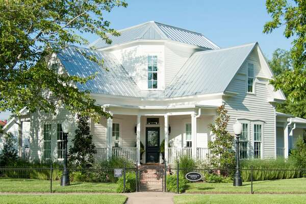 Magnolia House Weekend rate: $995