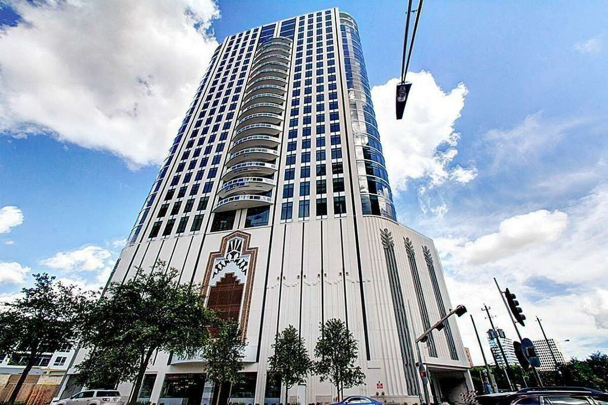 1409 Post Oak Boulevard PH 2503 List price: $2.6 million