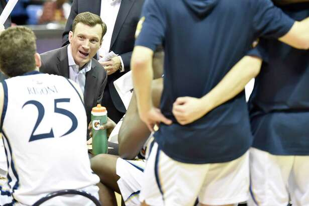 Men's basketball coach Baker Dunleavy and the Quinnipiac men's basketball team wil lopen the season against UCF in the Basketball Hall of Fame 2020 Tip-Off Tournament.
