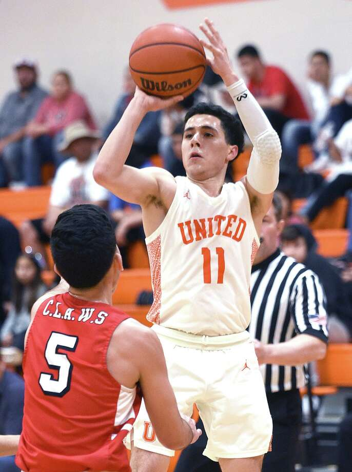 Alex Idrogo helped United win back-to-back District 29-6A titles this past season. Photo: Danny Zaragoza /Laredo Morning Times File