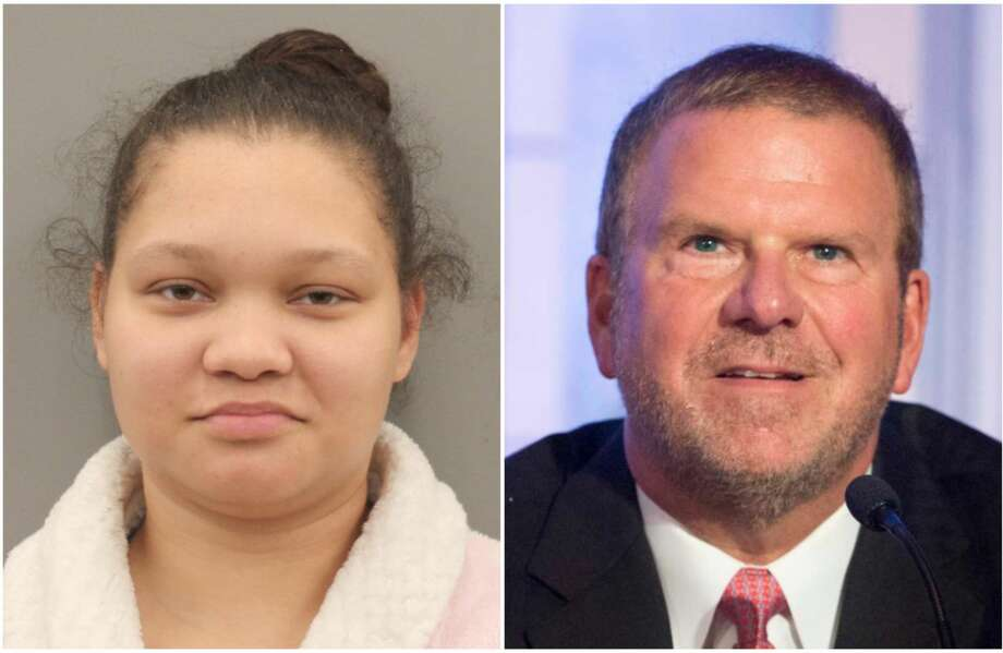 Stephanie Hunter, 27, told investigators that she purchased Tilman Fertitta's sensitive information on the dark web and applied for a credit card and line of credit with a popular furniture store, according to charging documents GALLERY: All the things owned by Tilman Fertitta >>> Photo: Harris County Precinct 1 Constable's Office Mugshot / Yi-Chin Lee, Staff