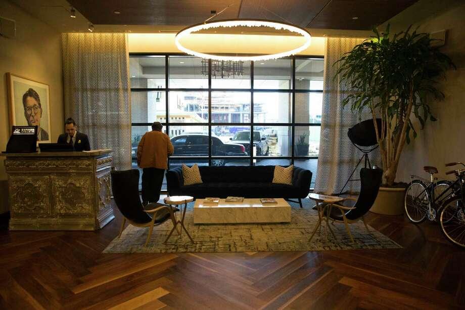 Lobby area of Hotel ZaZa Memorial City in February. Photo: Yi-Chin Lee, Houston Chronicle / Staff Photographer / © 2020 Houston Chronicle