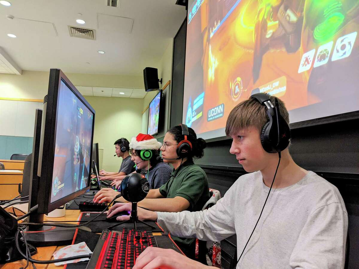The Fairfield Ludlowe Falcons Overwatch team will compete in the2020 EGF High School esports Championship June 12-14 at the ESPN Wide World of Sports Complex at the Walt Disney World Resort in Orlando, Florida .
