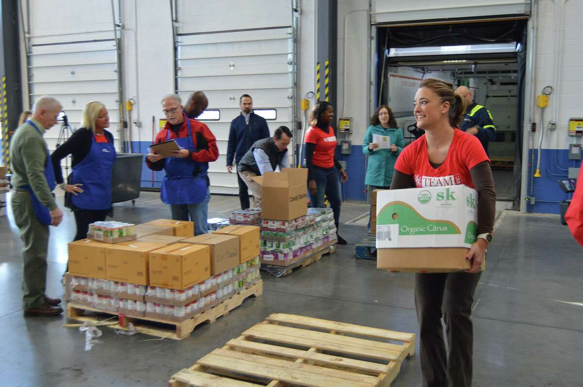 More than 275 cases of fresh, healthy food was distributed to the Valley's food banks earlier this week, thanks to an ongoing initiative to improve the health and well-being of Valley residents.