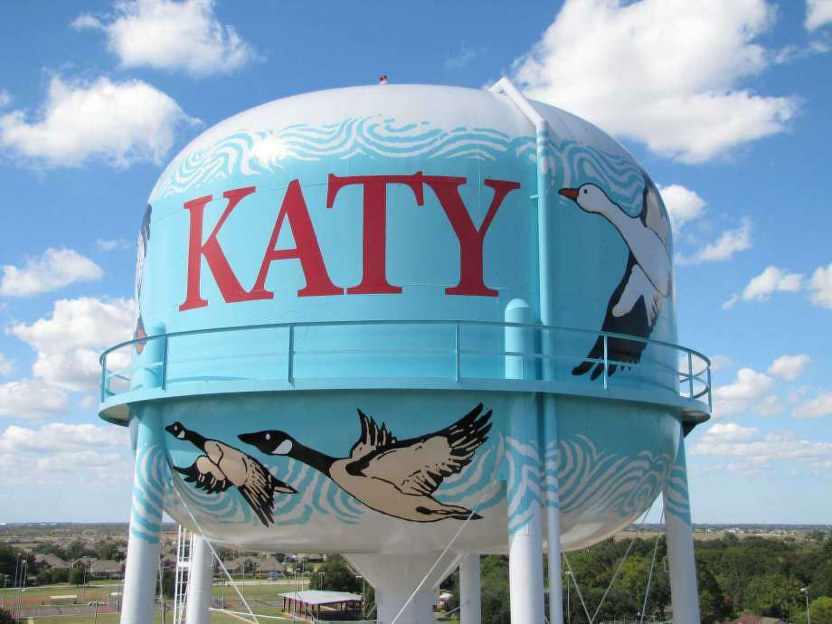 Close-up view of the mural on the Franz Road municipal water tank in Katy. Photo: Artistbrothers / Artistbrothers