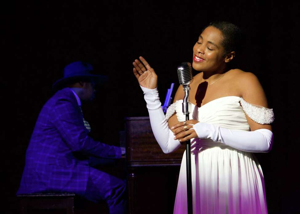 Gina-Simone Pemberton plays Billie Holiday in