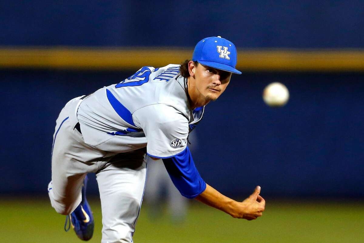 Sean Hjelle, the Giants' top pitching prospect, pitching for the University of Kentucky.