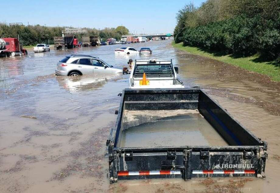 Water covers East Loop 610 on a sunny Thursday, Feb. 27, 2020. Photo courtesy: Saul Rodriguez Photo: Saul Rodriguez