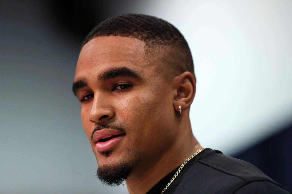 Despite a 38-4 record as a starting QB at Alabama and Oklahoma, Channelview native Jalen Hurts has his skeptics as he tries to take his talents to the NFL.