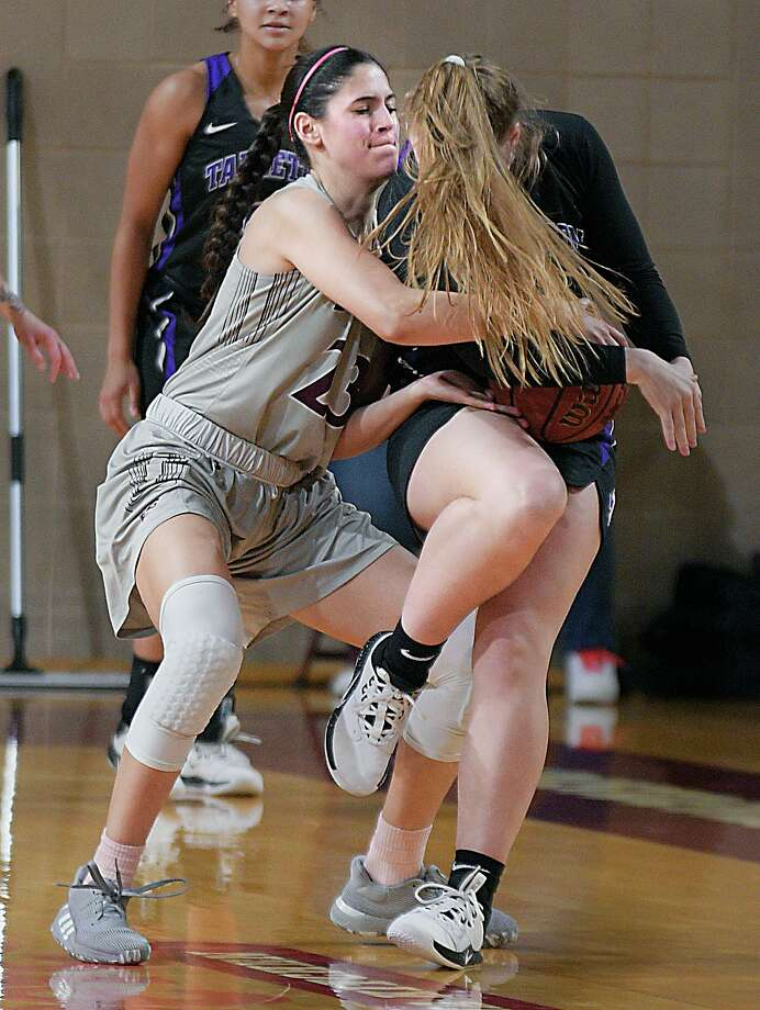 Nicole Heyn battles for the ball against an opponent as the TAMIU Lady Dustdevils hosted Tarleton Thursday, February 27, 2020 at TAMIU. Photo: Cuate Santos / Laredo Morning Times / Laredo Morning Times