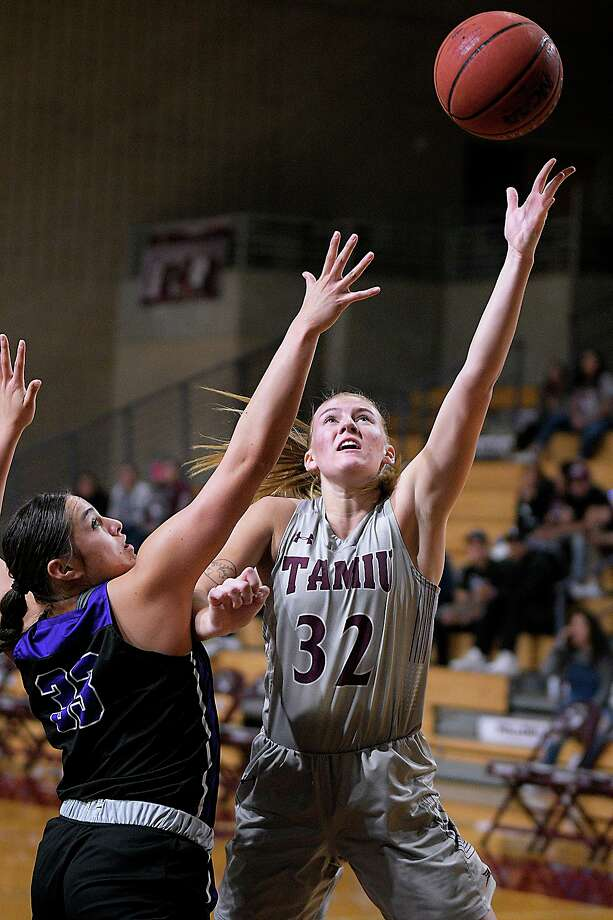 Josselin Geer and the TAMIU women's basketball team are scheduled to play 22 games this upcoming season due to the coronavirus pandemic. Photo: Cuate Santos /Laredo Morning Times File / Laredo Morning Times