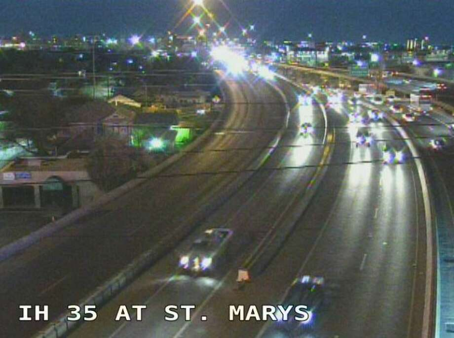 Major traffic accident shuts down I-35 near St. Mary's Street during morning commute Photo: Texas Department Of Transportation