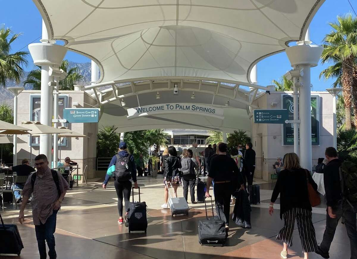 Palm Spring International Airport (PSP) welcomes visitors with sunshine and open air concourses.