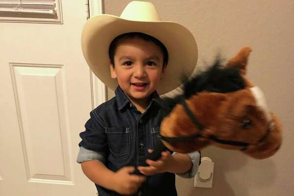 Houston's youngest rodeo fans got in the spirit for Go Texan Day and showcased their rodeo best for the occassion.