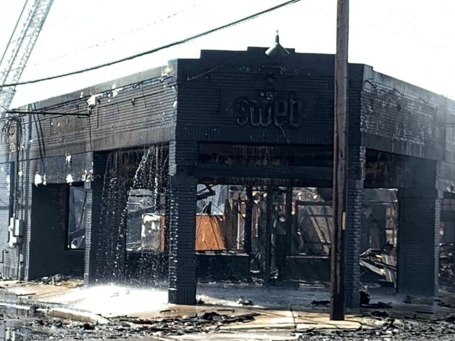 The San Antonio Fire Department responded to a structure fire on the 1500 block of South Flores St. Photo: Mark Dunphy