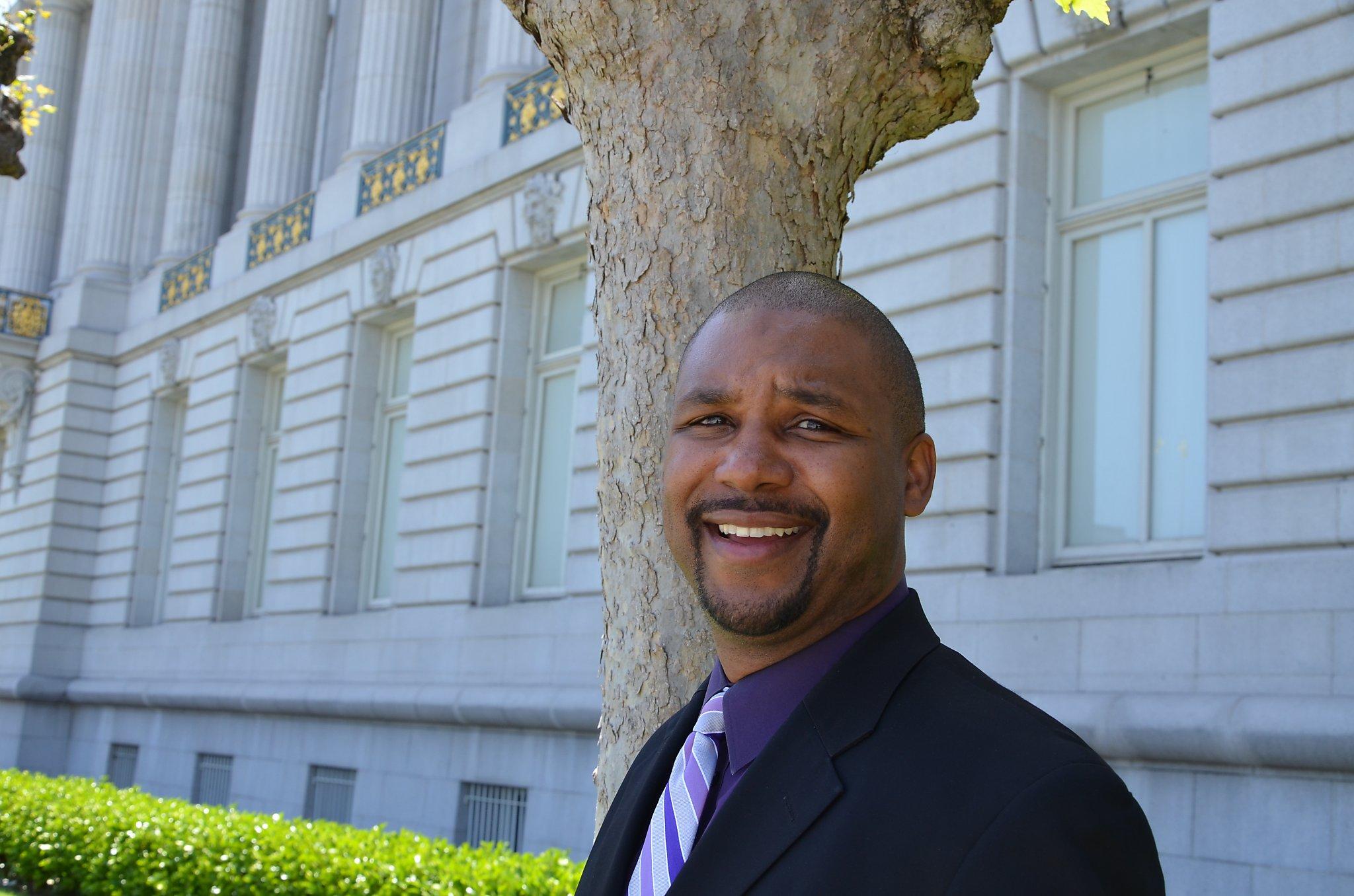 Supervisor Walton says SF cigar bar discriminated against him and his friends