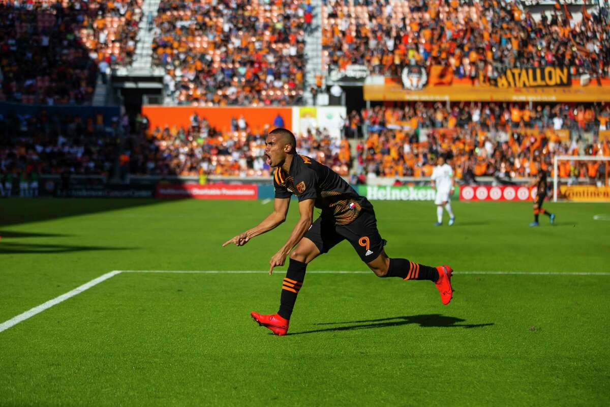Houston Dynamo forward Mauro Manotas celebrates after scoring the equalizing goal during the second half of a match between the Houston Dynamo and LA Galaxy, Saturday, Feb. 29, 2020, at BBVA Stadium in Houston.