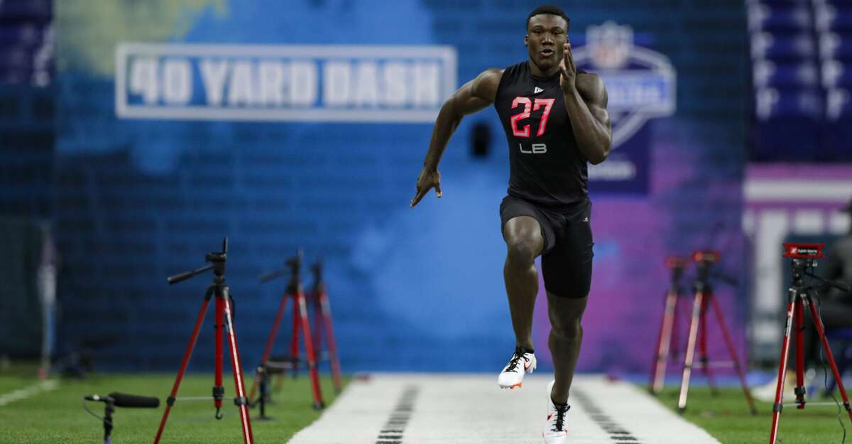 Oklahoma linebacker Kenneth Murray runs the 40-yard dash at the NFL football scouting combine in Indianapolis, Saturday, Feb. 29, 2020. (AP Photo/Michael Conroy)