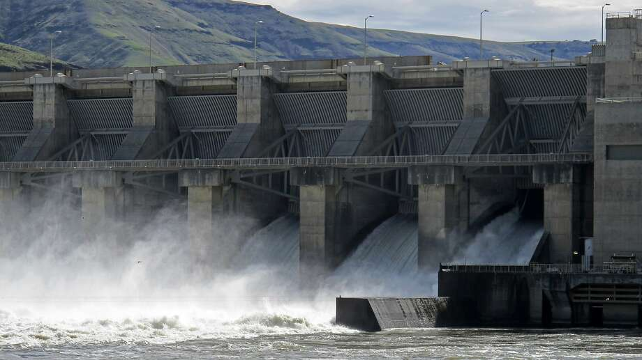 The Lower Granite Dam on the Snake River near Almota, Wash., was one of the dams under review. Photo: Nicholas K. Geranios / Associated Press 2018