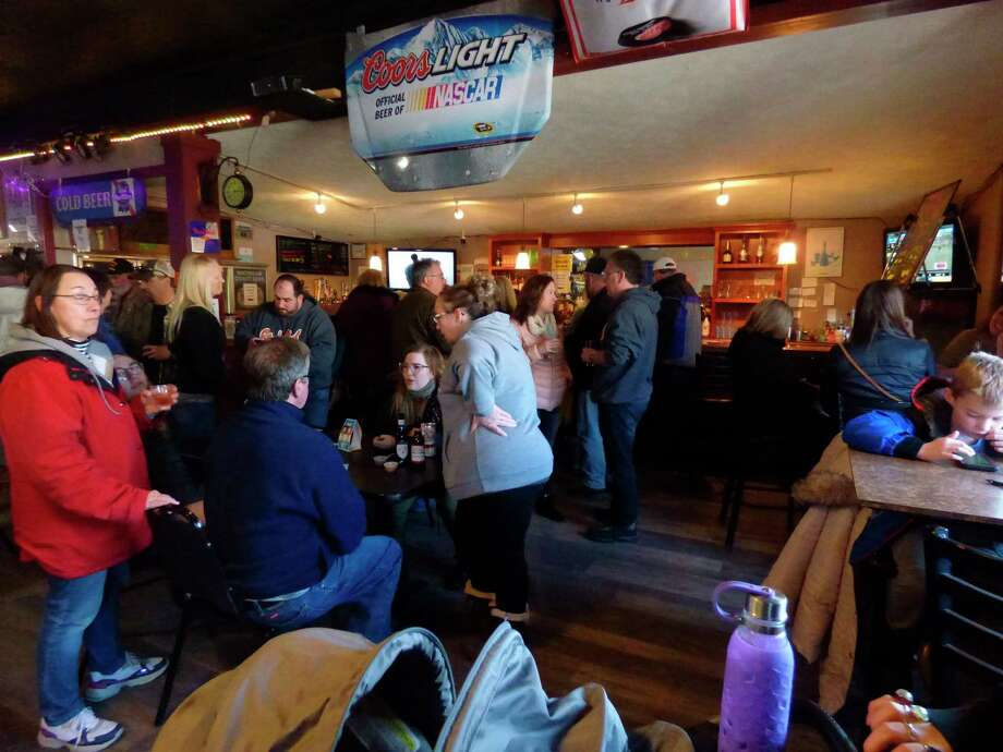Crowds packed local restaurants and taverns like Bill's Bar & Grill during the annual Maxwelltown chili cook-off on Saturday. (Scott Fraley/News Advocate)