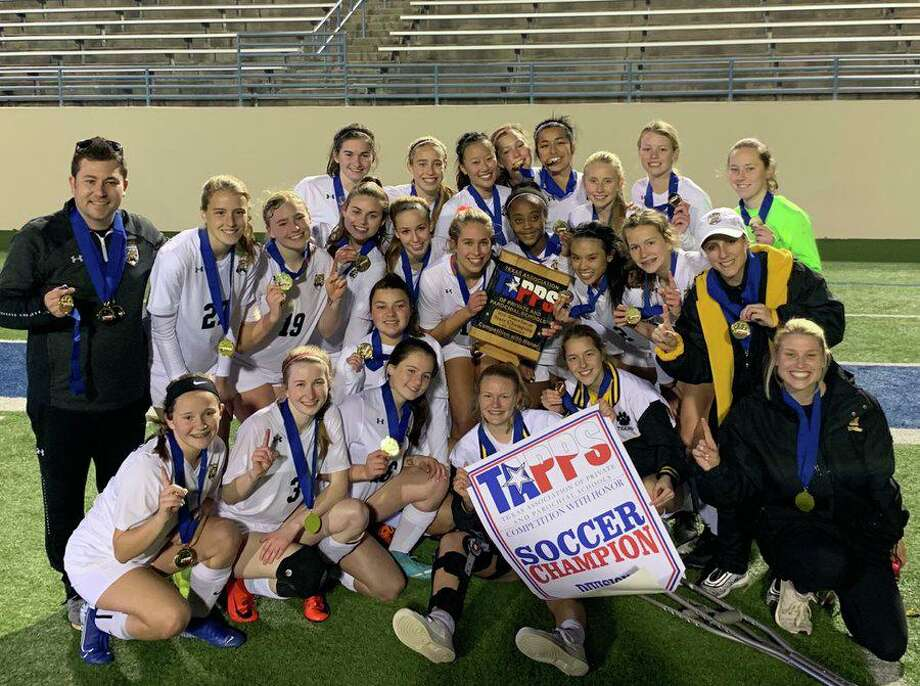 The St. Agnes Academy soccer team won the first TAPPS state championship in school history, defeating Fort Worth Nolan Catholic 6-0 in the state final. Photo: St. Agnes Academy