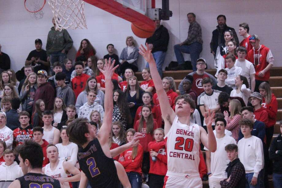 Benzie Central senior Bennett Niswonger comes up huge with 13 points to help lead his Huskies to victory on senior night. Photo: Robert Myers