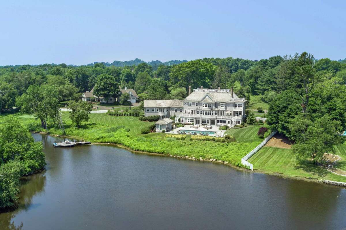 This resort-like property sits along a private pond within easy walking distance of Southport Beach and and a Connecticut Audubon Society preserved space with a walking trail.