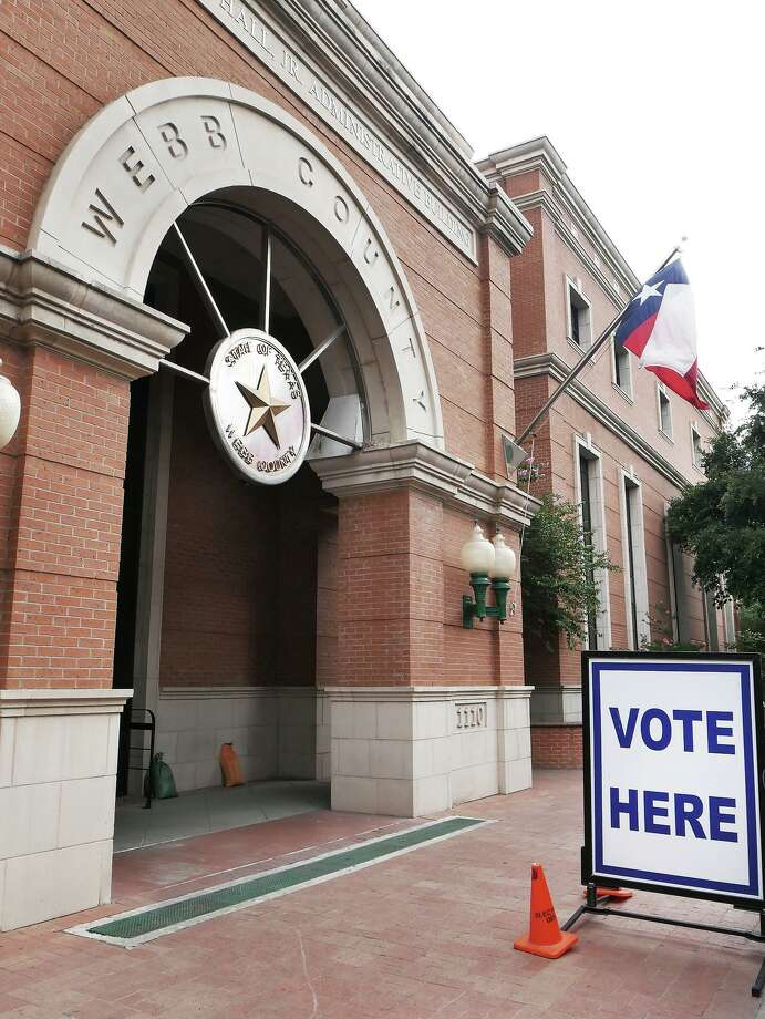 El edificio administrativo Billy Hall Jr., ubicado en 1110 Washington Street es uno de los sitios habilitados para votar. Photo: Cuate Santos /Laredo Morning Times / Laredo Morning Times