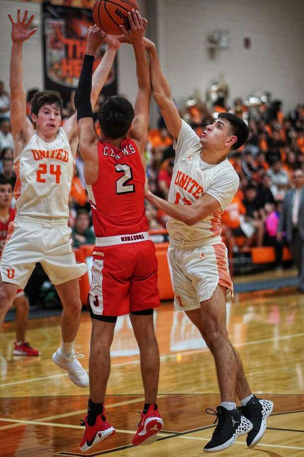 Carlos Puerto and United play McAllen Rowe in the third round of the playoffs at 8 p.m. Tuesday in Kingsville. Photo: Photo By J.J. Torres / Juan Jose Torres
