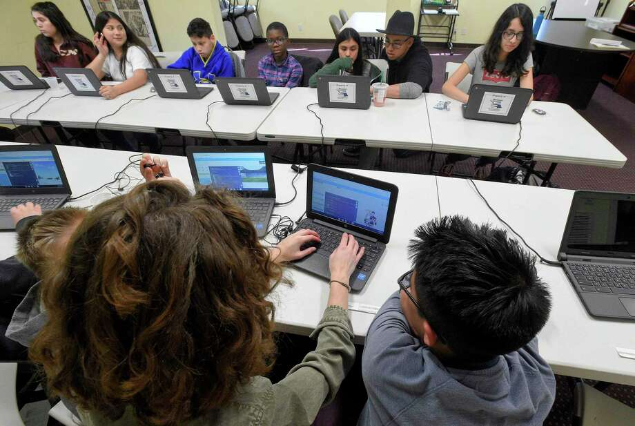A Beyond Limits Academic Program computer science class in April 2019 in Stamford, Conn. Photo: Matthew Brown / Hearst Connecticut Media / Stamford Advocate