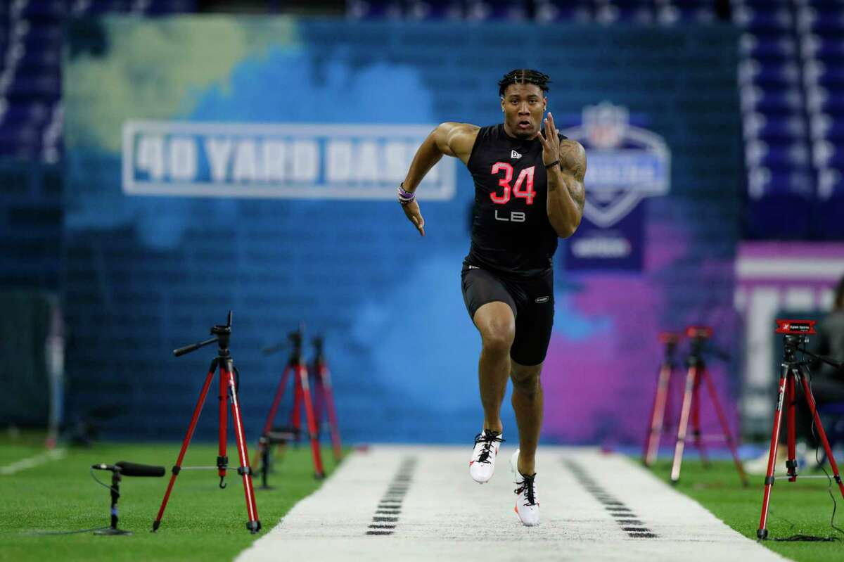 Clemson's Isaiah Simmons, running the 40 at the NFL football scouting combine in Indianapolis, leads this year's group of linebackers.