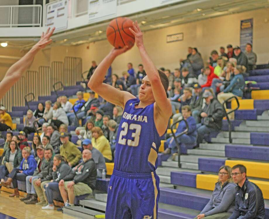 Onekamaboys basketball topped Manistee54-39 in a non-conference road game on Tuesday. Photo: Kyle Kotecki/News Advocate