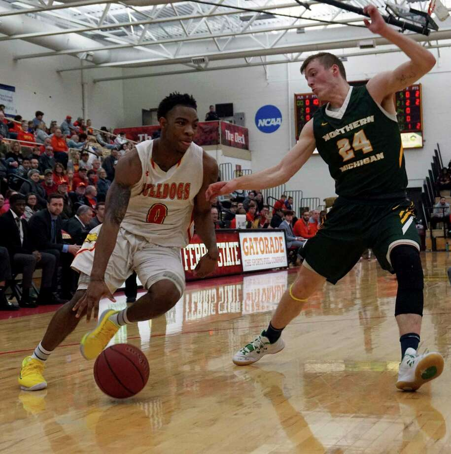 Bulldog Men Stunned By Northern Michigan 70 69 In Opening Round Of Gliac Tourney Big Rapids Pioneer