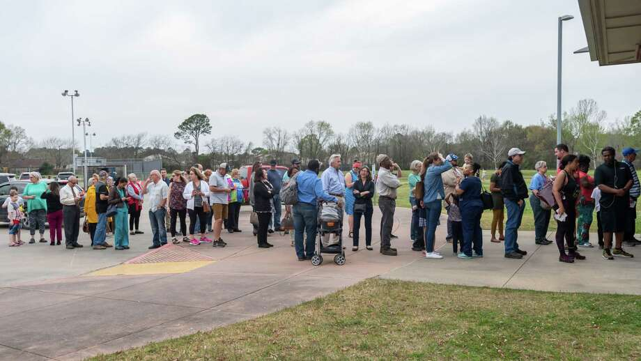 SETX voters lined up at Rogers Park to exercise their right to vote in the Super Tuesday primary election on Tuesday, March 3, 2020.. Fran Ruchalski/The Enterprise Photo: Fran Ruchalski/The Enterprise / 2019 The Beaumont Enterprise