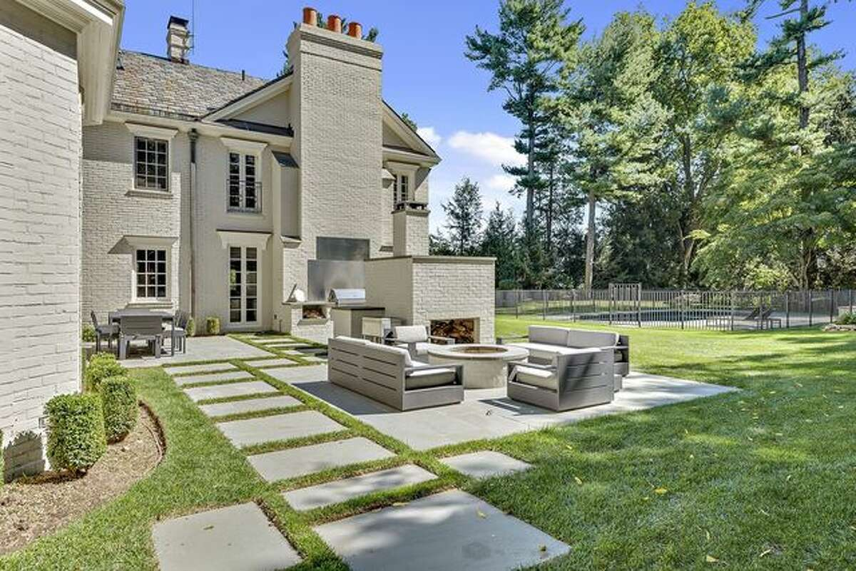 Former NHL star Brad Richards is taking a shot at selling his serene waterfront estate in Greenwich, CT, for $9 million.