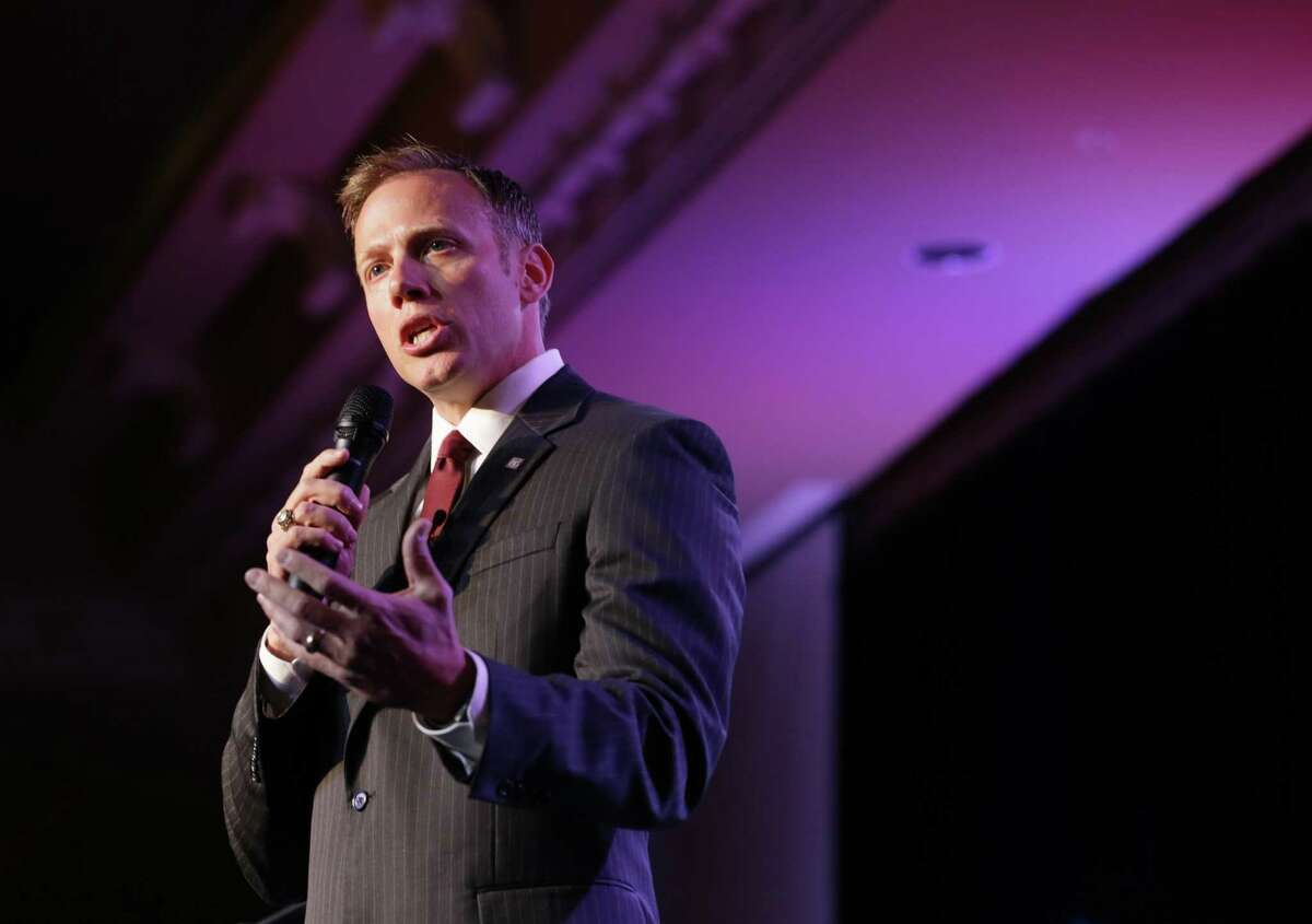 Texas Railroad Commissioner Ryan Sitton speaks during the Harris County Republican Party 2016 Lincoln Reagan Dinner Wednesday, Feb. 24, 2016, in Houston. ( Jon Shapley / Houston Chronicle )