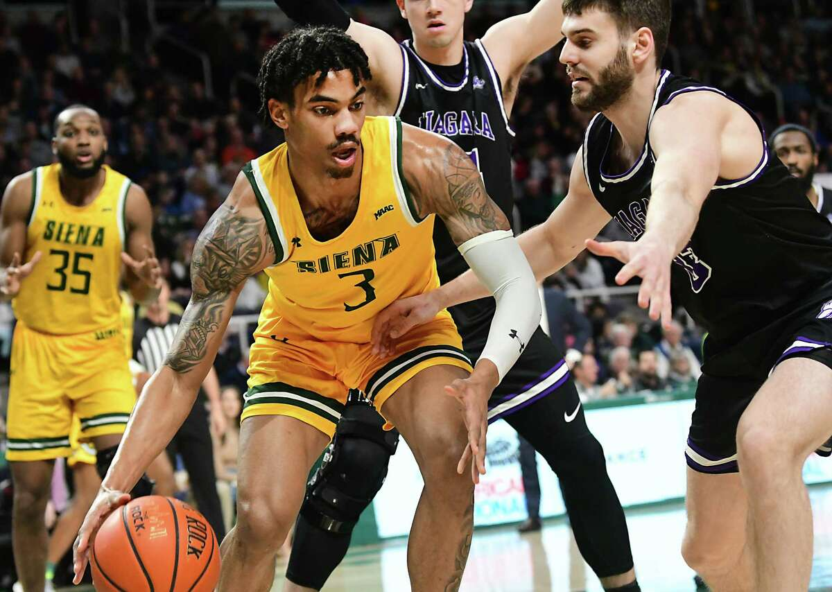 Siena's Manny Camper announced on Wednesday that he has withdrawn from the NBA draft and will return to the Saints for his senior season. He was an All-MAAC first-team selection last season. (Lori Van Buren/Times Union)