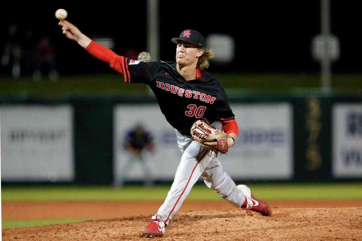 Houston reliever Tanner Green delivers during a 21/3-inning scoreless stint that earned the Cougars sophomore the win.