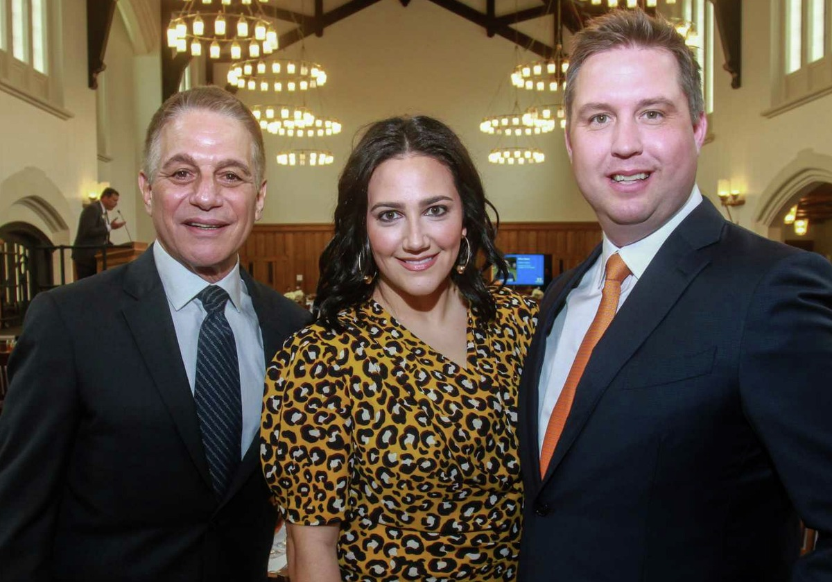 Tony Danza, left, with co-chairs Kelli Kickerillo and Todd Forester at Breakthrough Luncheon at St. John's School in Houston on March 2, 2020.