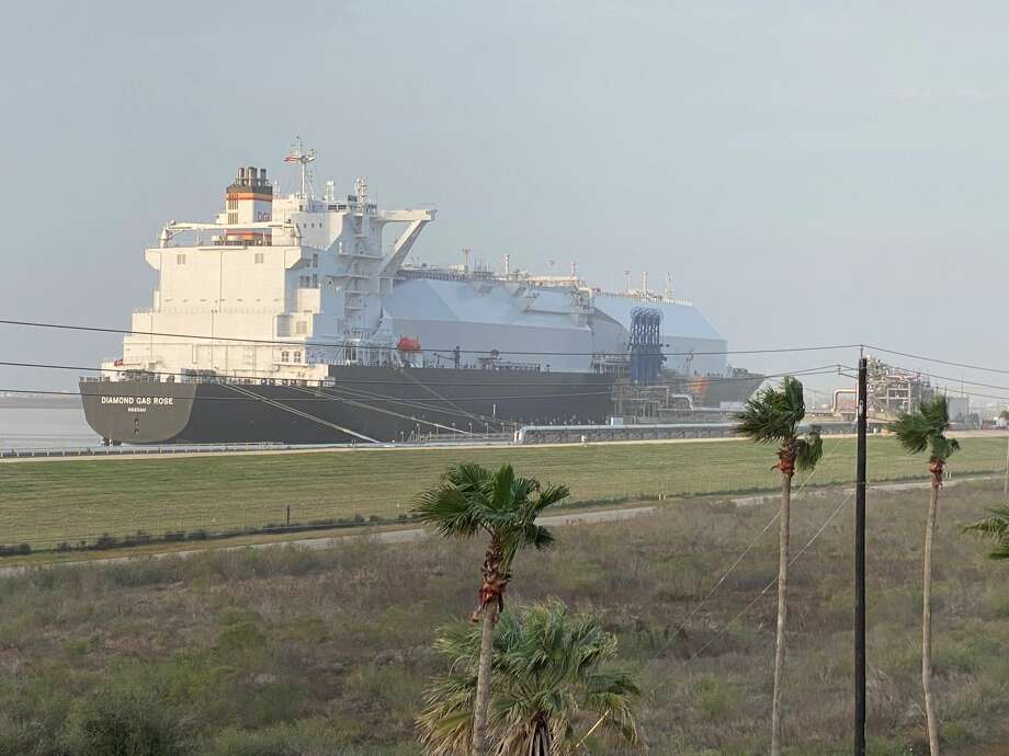The Bahamas-flagged LNG tanker Diamond Gas Rose docked at the Freeport LNG export terminal in Brazoria County on Sunday, February 9, 2020. Federal officials gave Freeport LNG got the green light to put a second dock at its Brazoria County export terminal into service. Photo: Sergio Chapa / Houston Chronicle