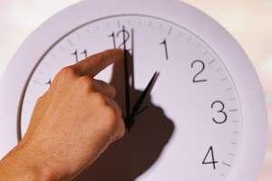 Turn back clocks one hour tonight as Daylight Saving Time takes a winter break.
