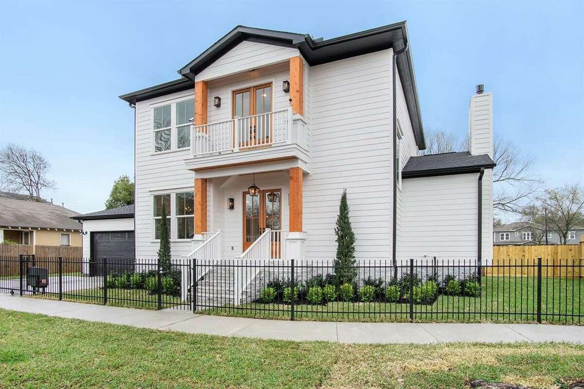 6638 N. Main Street List price: $725,000