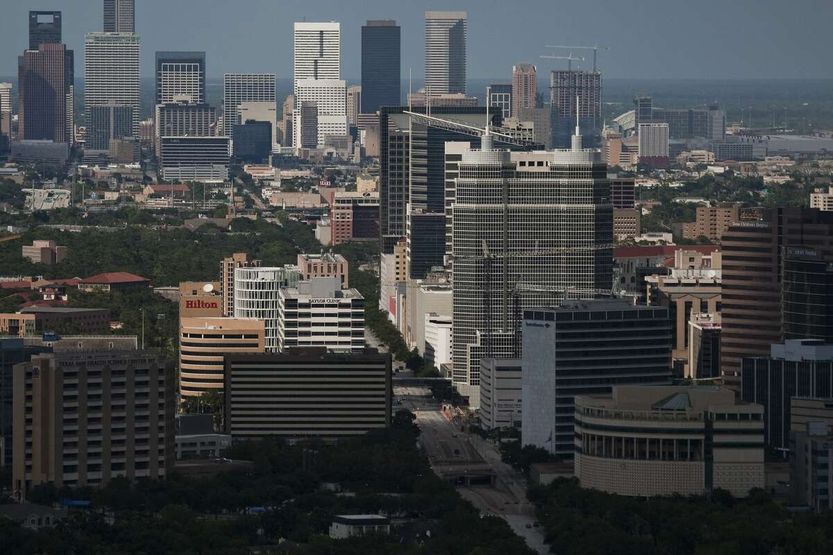 Rents for studios in Houston, Texas saw the largest decrease in average cost over the past four years, according to a study from Rent.com. 2020 average rent price: $1,079.172016 average rent price: $1,409.684-year change: -23.45%