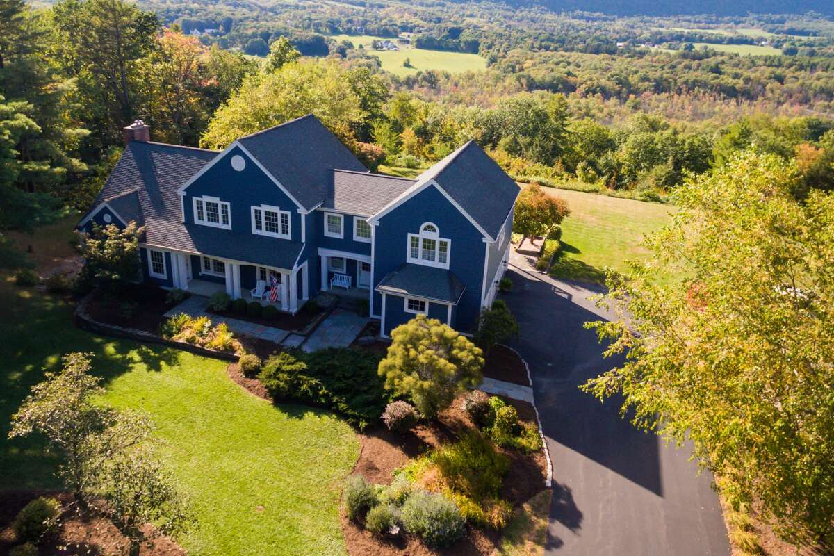 House of the Week: 89 Deer Cliff Rd., Voorheesville | Realtor: Renata Lewis or Lucas Weston with Keller Williams Capital District | Discuss: Talk about this house