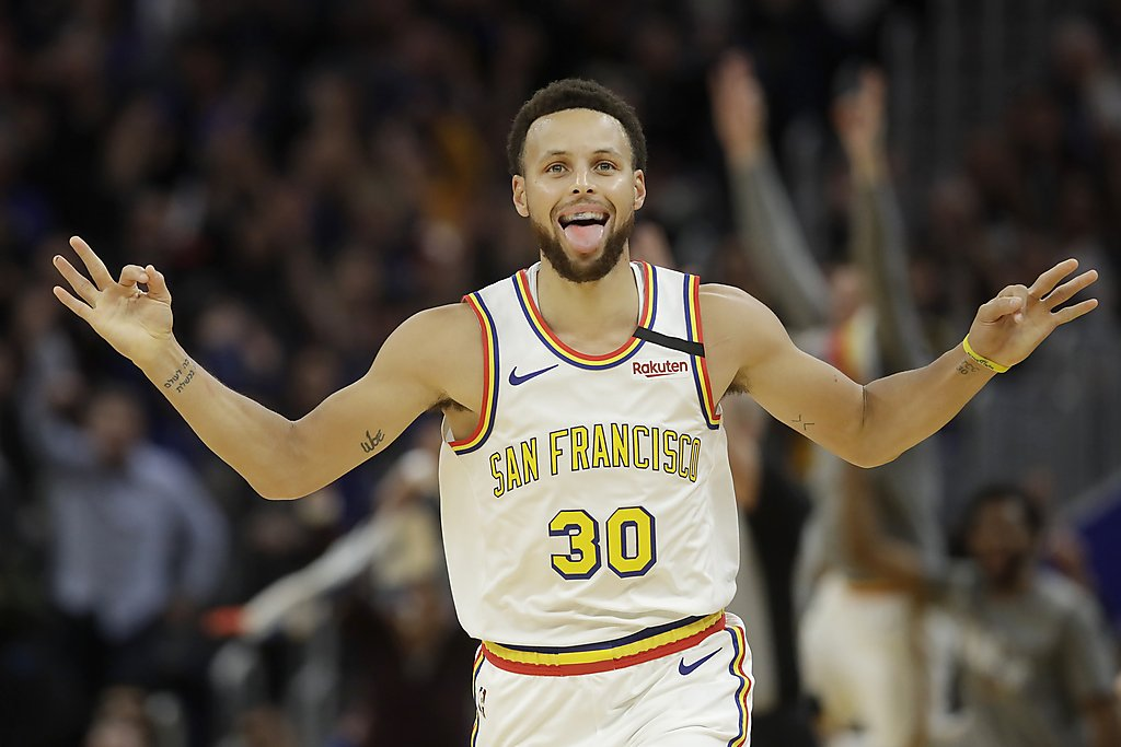 Stephen Curry makes Warriors' loss to Raptors entertaining