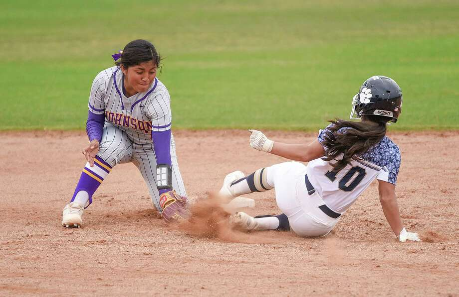 Sabrina Orozco and the Lady Wolves tied Hanna 5-5 to end the BISD tournament Saturday. Photo: Danny Zaragoza /Laredo Morning Times File