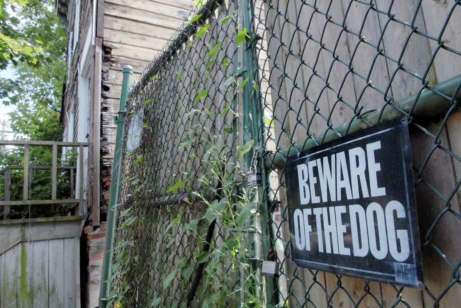 A view of the condemned building at 198 Orange St. in Albany, NY on Tuesday, Aug. 17, 2010.  Some 90 cats have been removed from this building over the past few months.   (Paul Buckowski / Times Union) Photo: Paul Buckowski